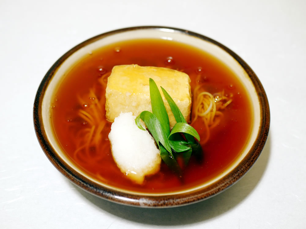 食事 ・・・ ご飯・止め椀(味噌汁)・香の物(漬物)